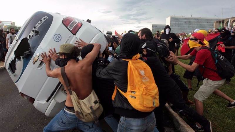 Brazil backs Austerity bill amid violent protests