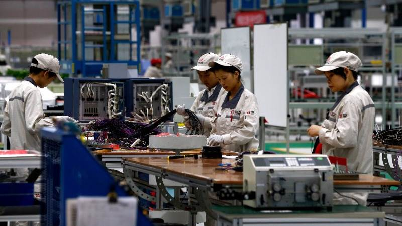 China's manufacturing unexpectedly higher