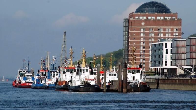 Maersk Line acquiring Hamburg Süd