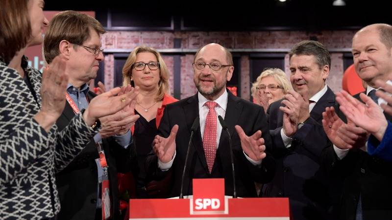 SPD approves Martin Schulz as chancellor candidate