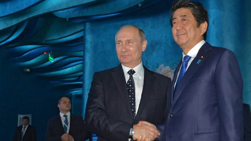 Abe to visit Russia in one month for talks with Putin