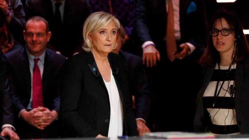 Le Pen: We should put stop to legal and illegal migration