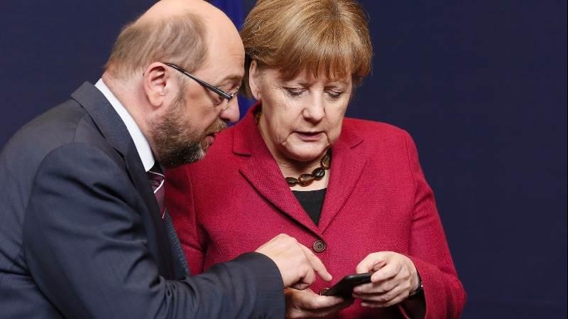 SPD tops Merkel's CDU in latest poll