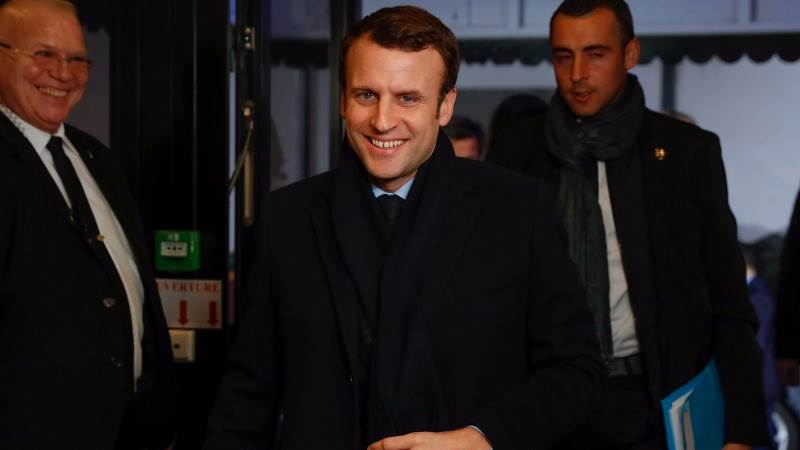 Poll: Macron favorite to win in France after first debate