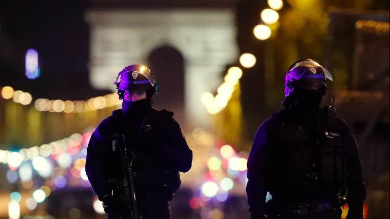 Le Pen to make statement in wake of Paris shooting
