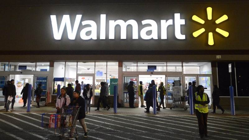 wal mart struggles with diversity Read about the opportunities, initiatives & programs that underpin wal-mart's diversity strategy.