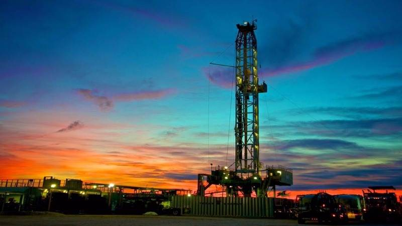 US adds 8 oil rigs