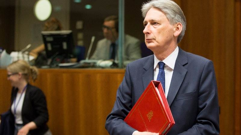 UK's Hammond: Talks with EU bound to get tough