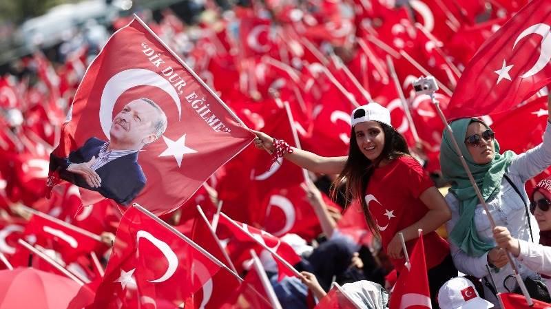Erdogan sends citizens mobile voice message