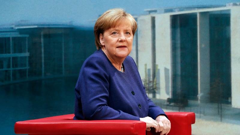 Merkel to reduce delay boosting investment