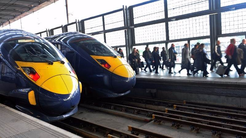 UK picks builders for high-speed rail project