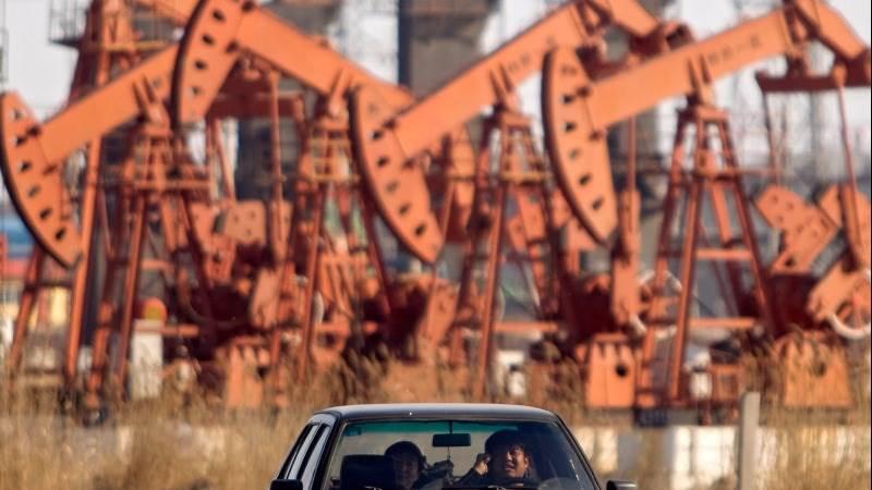 Crude reverses losses following IEA report
