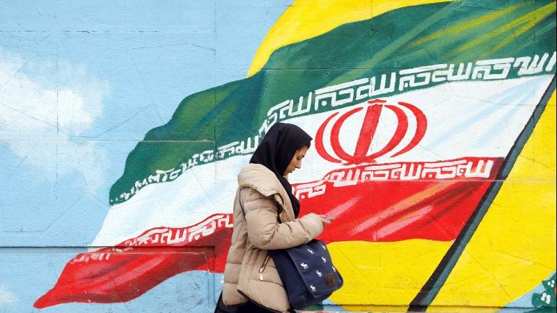 Russia urges US to stay in Iran nuclear deal