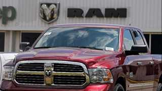 Fiat Chrysler recalls 500,000 pickup trucks