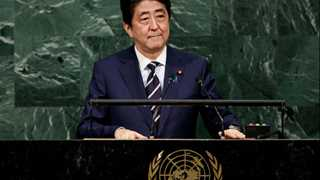 Abe: Intl community must face N. Korea together