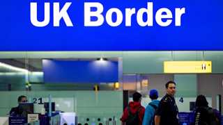UK seen struggling with border overhaul