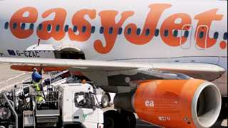 EasyJet's total profit falls 23.9% in fiscal 2017