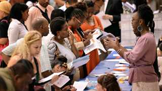 US initial jobless claims fall by 41,000 to 220,000