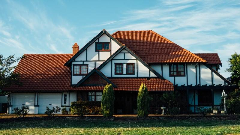 US existing home sales fall 3.6% in December