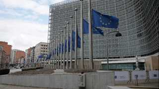 EU proposes measures to curb illegal online content