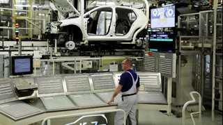 German factory orders fall 3.9% in January