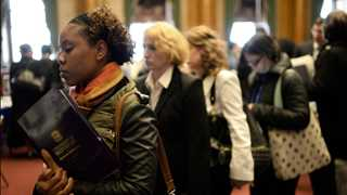 US initial jobless claims down by 4,000 to 226,000