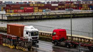 US import price growth halved to 0.4% last month