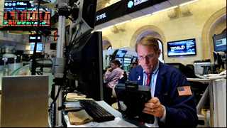 US stocks start mixed amid Russia spat