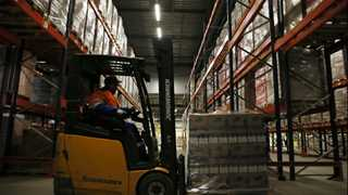 US factory orders rise 1.6% in March