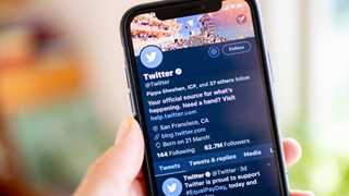 Twitter advises users to change passwords due to bug