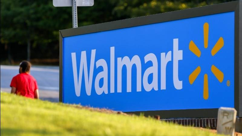 Walmart reports EPS at $0.72 in Q1, down 27% YoY