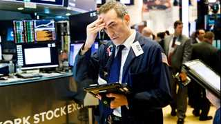 US stocks fall on open with struggle in trade talks