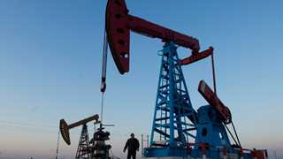 EIA: US crude inventories rise by 5.8 million barrels
