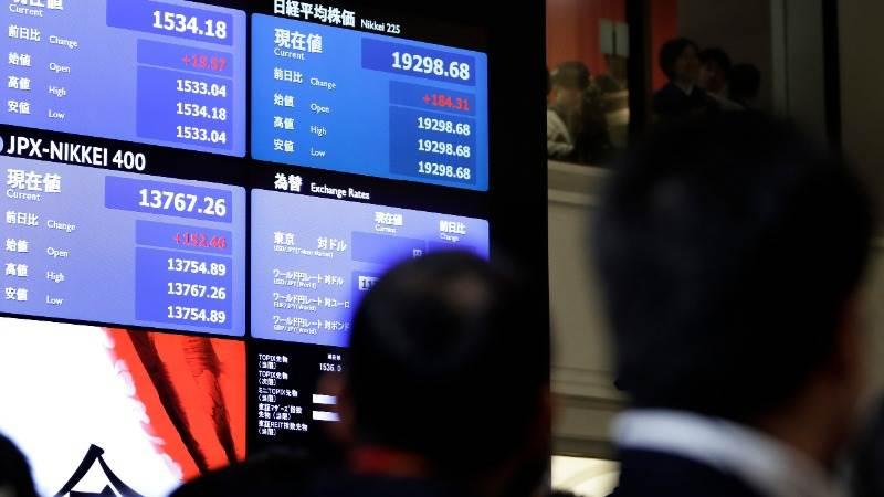 Asia trades mostly higher amid break in trade war rhetoric