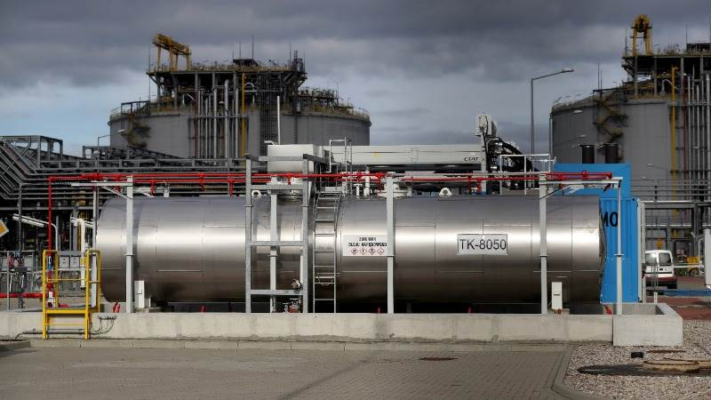 Total buys Engie's LNG assets for $1.5B