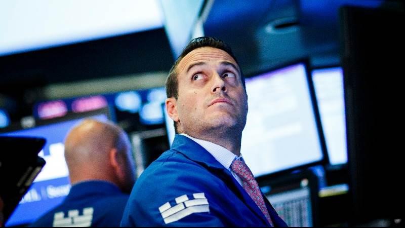Wall Street seen flat ahead of big bank earnings