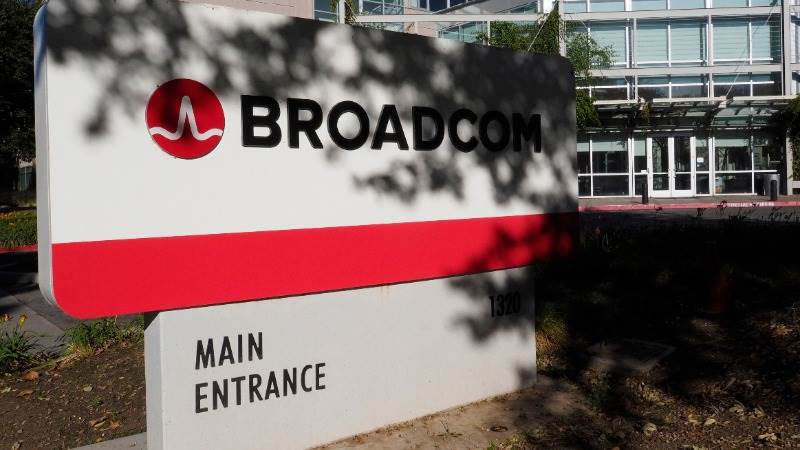 S&P slashes Broadcom's outlook on CA purchase