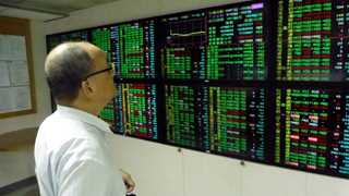 Asian markets mixed after Trump-Putin summit