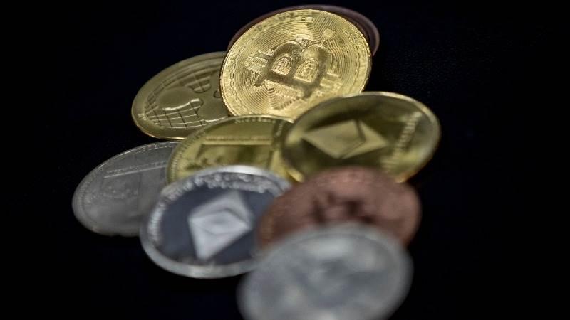 Már Bitcoint is vált egy magyar pénzváltó: kinek éri ez meg? - keverogep.hu