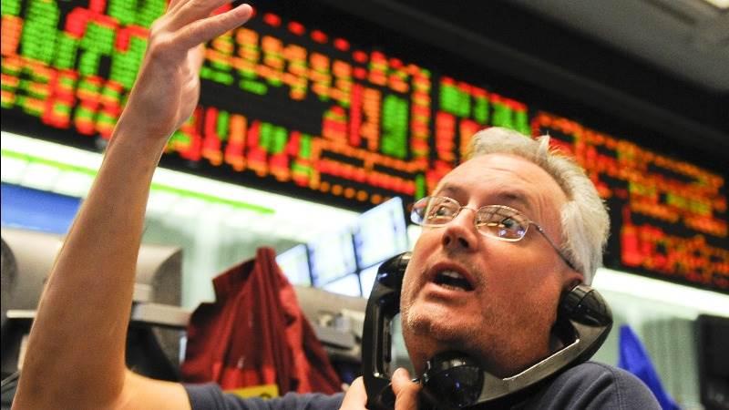 Long-term Treasuries rise as investors dump stocks