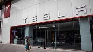 SEC subpoenas Tesla over privatization plans - report