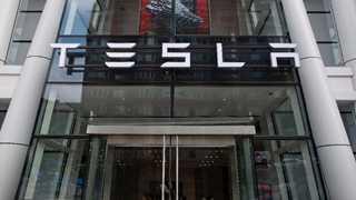 Tesla directors pressured by SEC in probe of Musk's tweets - report