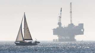 US oil rig count unchanged at 869 - Baker Hughes