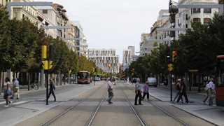 Car runs into pedestrians in Zaragoza - report