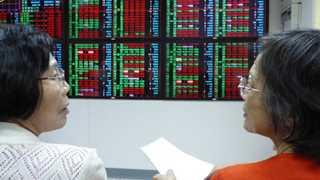 Asian markets climb before China, US resume trade talks