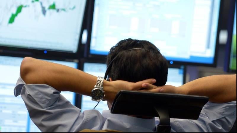 US Treasuries weaken before economic data