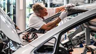 German factory orders decline 0.9% in July