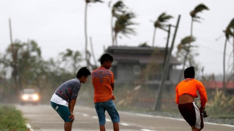 Typhoon Mangkhut kills at least 25