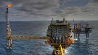 Baker Hughes: US oil rigs decrease by two to 866