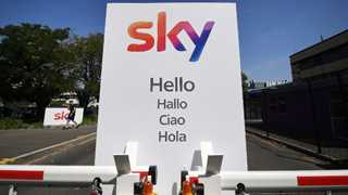Sky accepts Comcast's $39 billion takeover offer